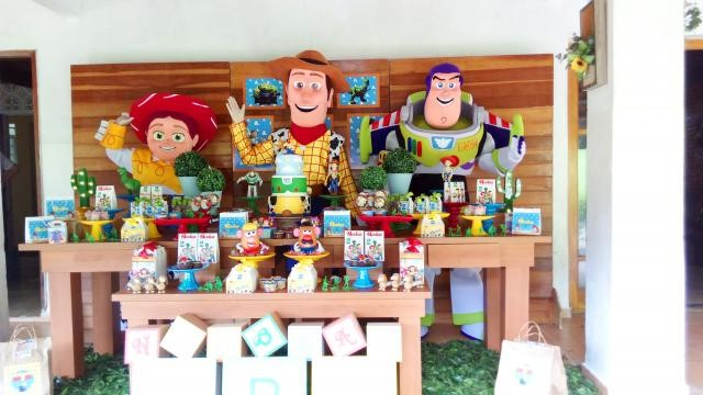 Foto 1 - Cover toy story personagens vivos